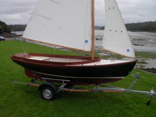 For Sale, New Haven 12 1/2 Nat Herreshoff centre-board sailing dinghy