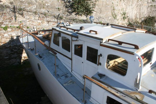 Tiny Home Designs: Brooke Marine TSDY Wooden Motor Yacht For Sale