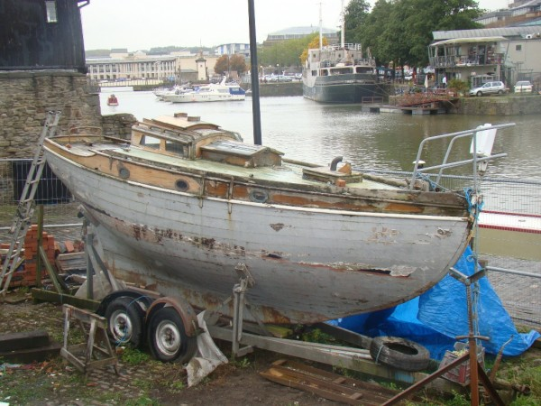 Dallimore sloop for refit