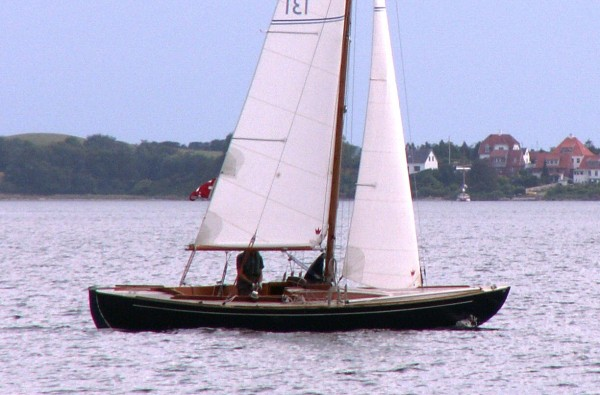 Skarpsno day sailer
