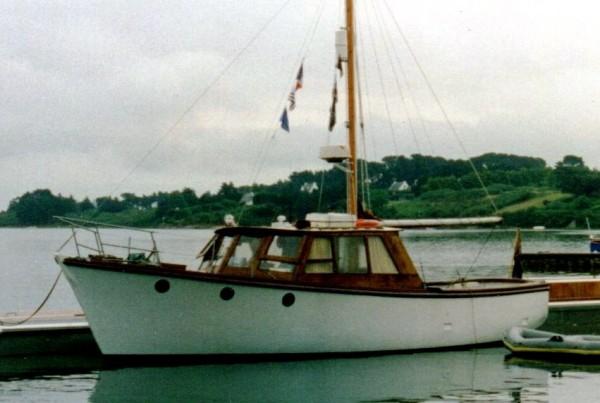 Twin screw motor yacht