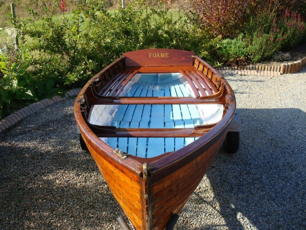 12′ Clinker rowing dinghy