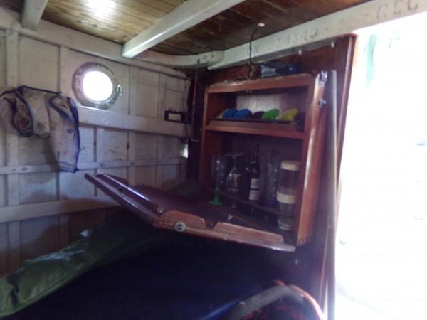 Single engine Cabin Cruiser