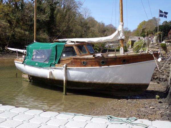 Single Engine Cabin Cruiser Wooden Motor Yacht For Sale